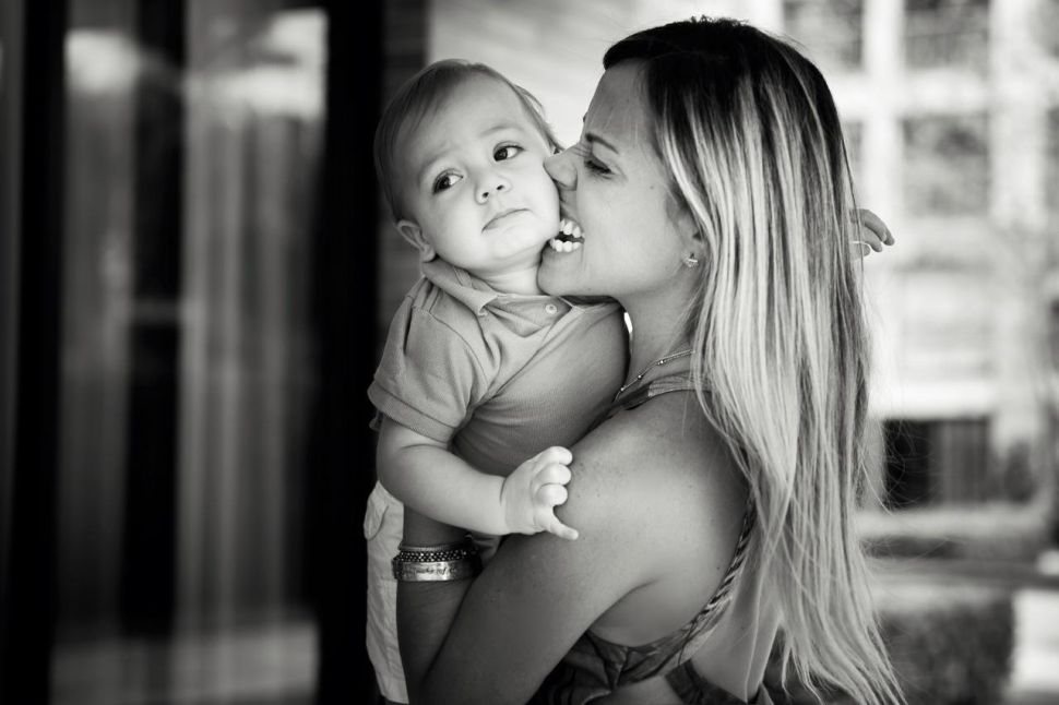 mãe-beijando-filho